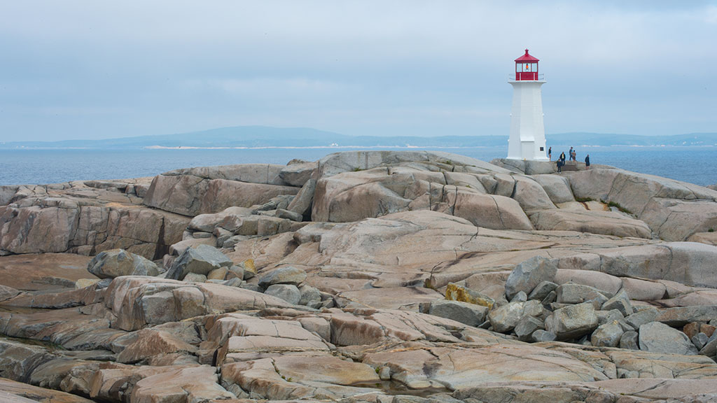 lighthouse peggy's cove