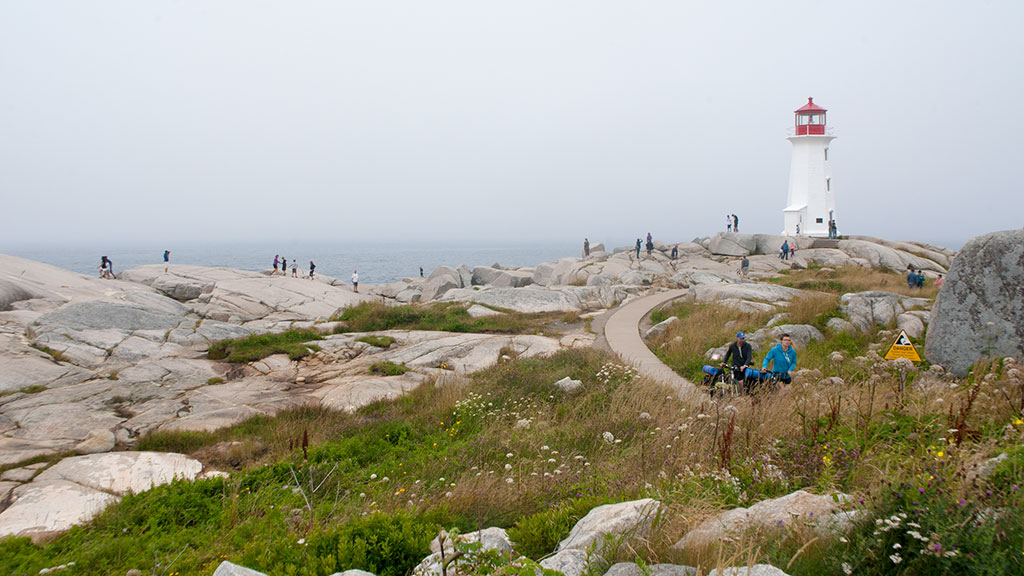 Peggy's-Cove-lighthouse-2213