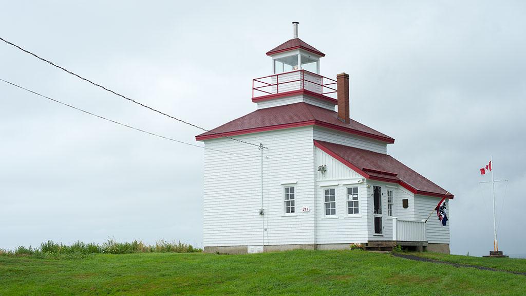 Gilbert's-Cove-Lighthouse9232